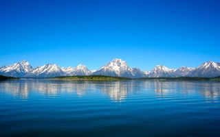 Бесплатные фото горы, вода, озеро, берег, снег, чистое небо, пейзажи