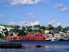 Бесплатные фото дома,вода,небо,облака,деревья,пристань,город