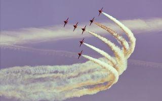 Бесплатные фото истребители,парад,учения,полет,небо,дым,облака