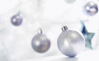 Бесплатные фото шар,елочный,игрушка,украшение,серый,блестящий,фон