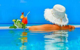 Фото бесплатно бассейн, девушка, шляпа