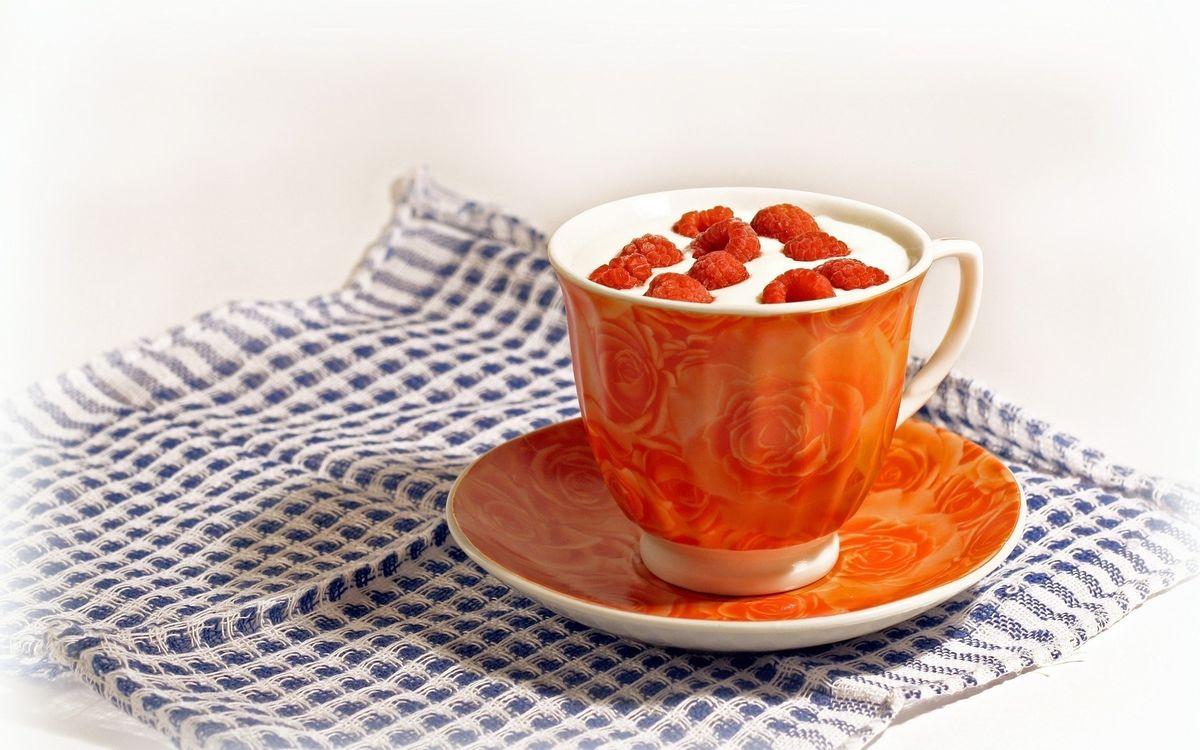Фото бесплатно чашка, блюдце, салфетка, десерт, сливки, малина, еда, еда