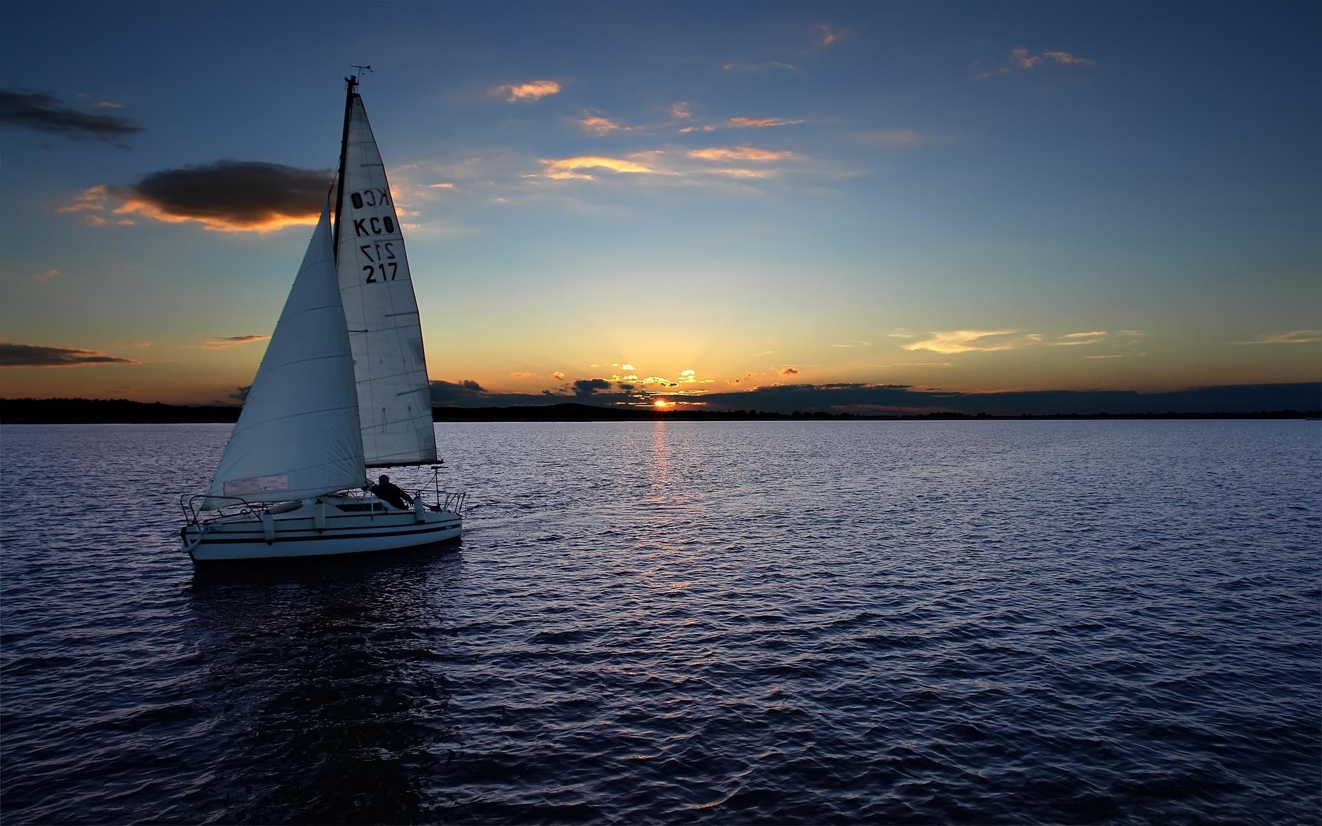 лодки ночь  № 3506479  скачать