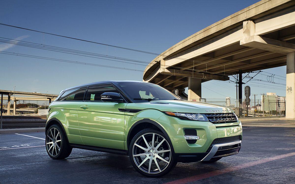 Фото бесплатно range rover, зеленый, джип, купе, большие, диски, трасса, дорога, мост, машины, машины - скачать на рабочий стол