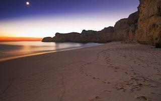 Бесплатные фото вечер, закат, берег, море, песок, луна, небо