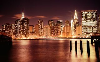 Бесплатные фото ночь,река,сваи,улицы,небоскребы,окна,свет