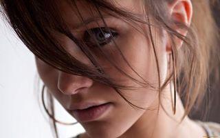 Обои шатенка, большие, глаза, длинные, волосы, красивое, лицо, девушки