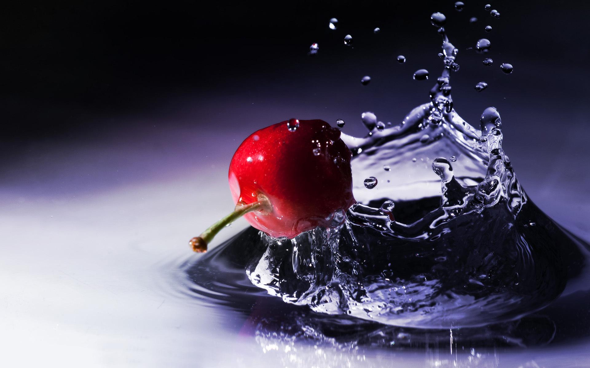 обои ягода, вишня, хвостик, вода картинки фото