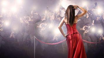Бесплатные фото девушка, фотоаппараты, репортеры, снимки, вспышки, красное, платье