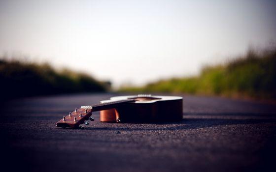 Фото бесплатно дорога, асфальт, гитара
