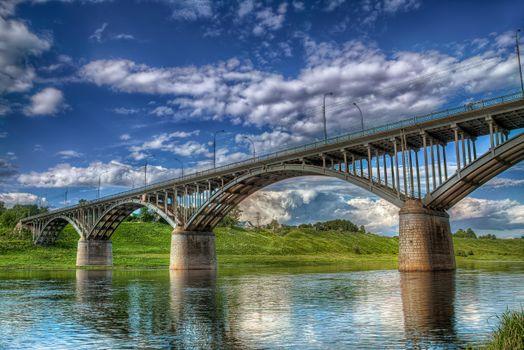 Фото бесплатно река, мост, холмы