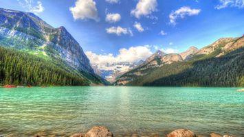 Бесплатные фото река,вода,деревья,камни,горы,небо,облака