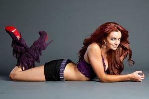 Бесплатные фото девушка,рыжие,волосы,красивая,каблуки,позирует,стиль