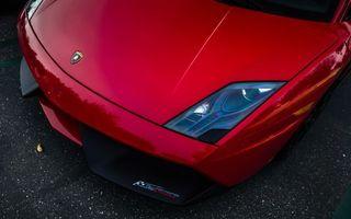 Бесплатные фото автомобиль,капот,фары,значок,логотип,цвет,красный