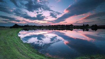 Бесплатные фото берег,трава,озеро,отражение,деревья,небо,облака
