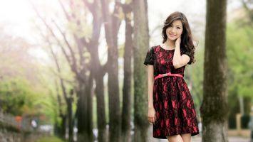 Бесплатные фото китаянка,кореянка,брюнетка,платье,прическа,волосы,руки