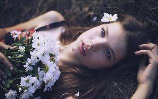 Бесплатные фото модель, глаза, нос, губы, цветы, волосы, девушки