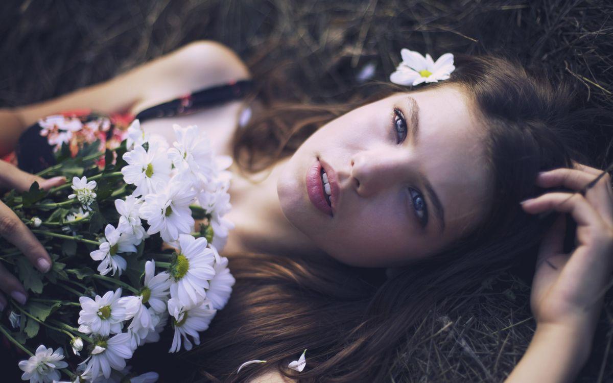 Фото бесплатно модель, глаза, нос, губы, цветы, волосы, девушки - на рабочий стол