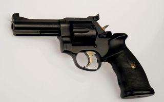 Фото бесплатно пистолет, магнум, револьвер, барабан, курок, ствол, оружие