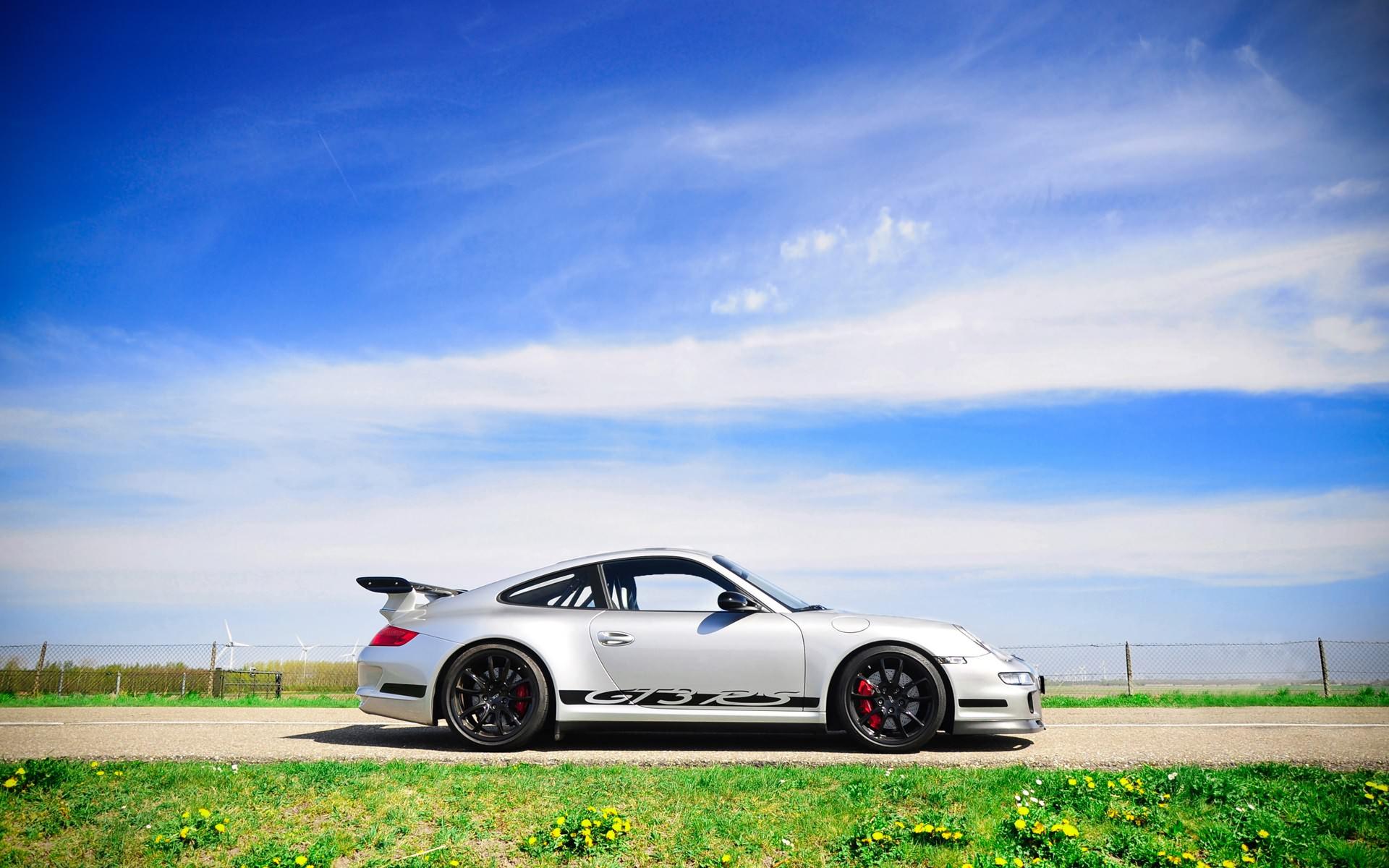 серебристая Porsche  № 984959 загрузить