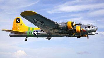 Бесплатные фото самолет,крылья,желтый,двигатели,колеса,небо,облака
