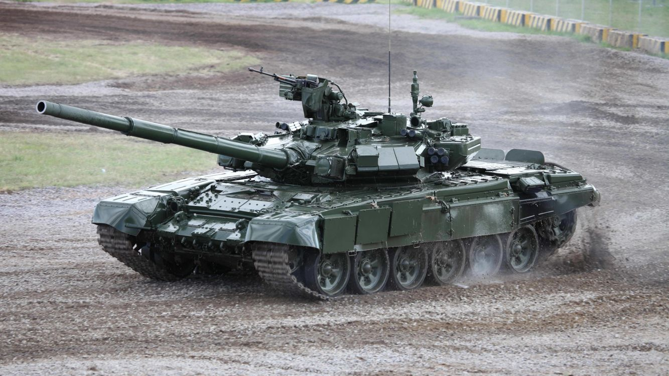 Фото бесплатно танк, пулемет, пушка, грязь, трава, защита, оружие, оружие