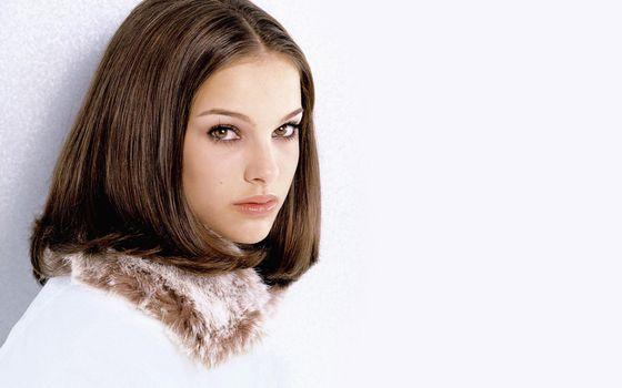 Бесплатные фото девушка,волосы,причка,глаза,брови,макияж,шуба,фото,девушки