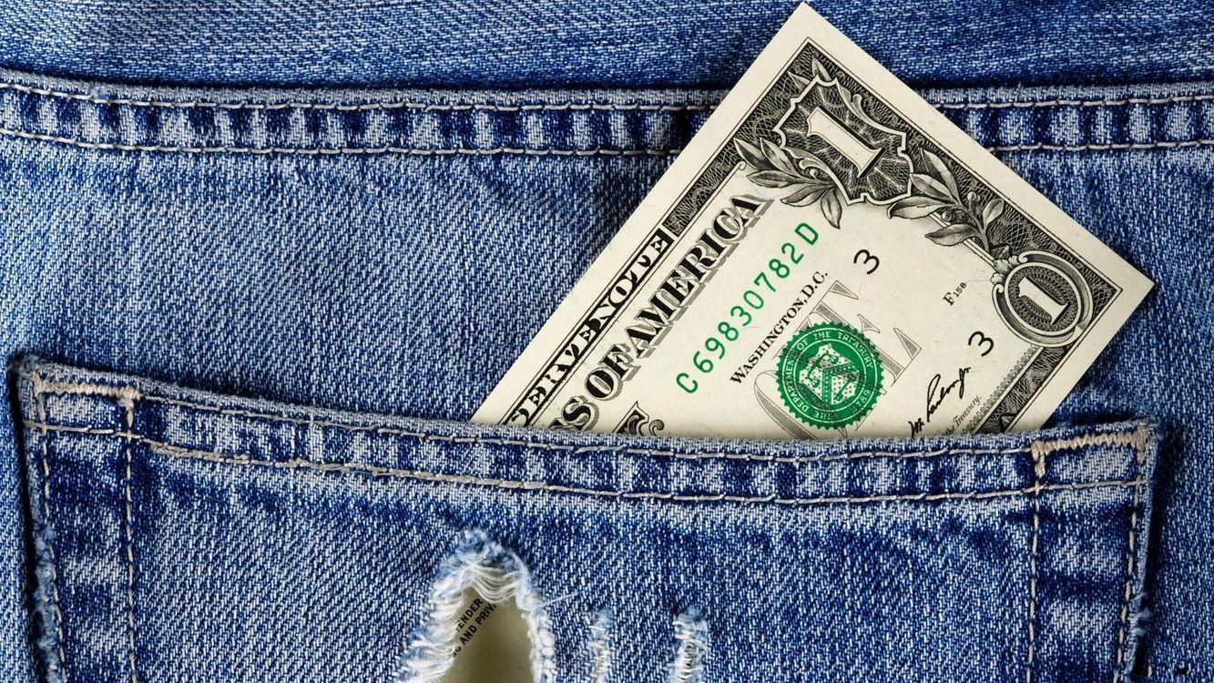 Фото бесплатно доллар, брюки, джинсы, карман, дырка, купюра, деньги, деньги