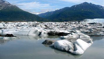 Бесплатные фото горы,камни,зелень,речка,вода,облака,природа