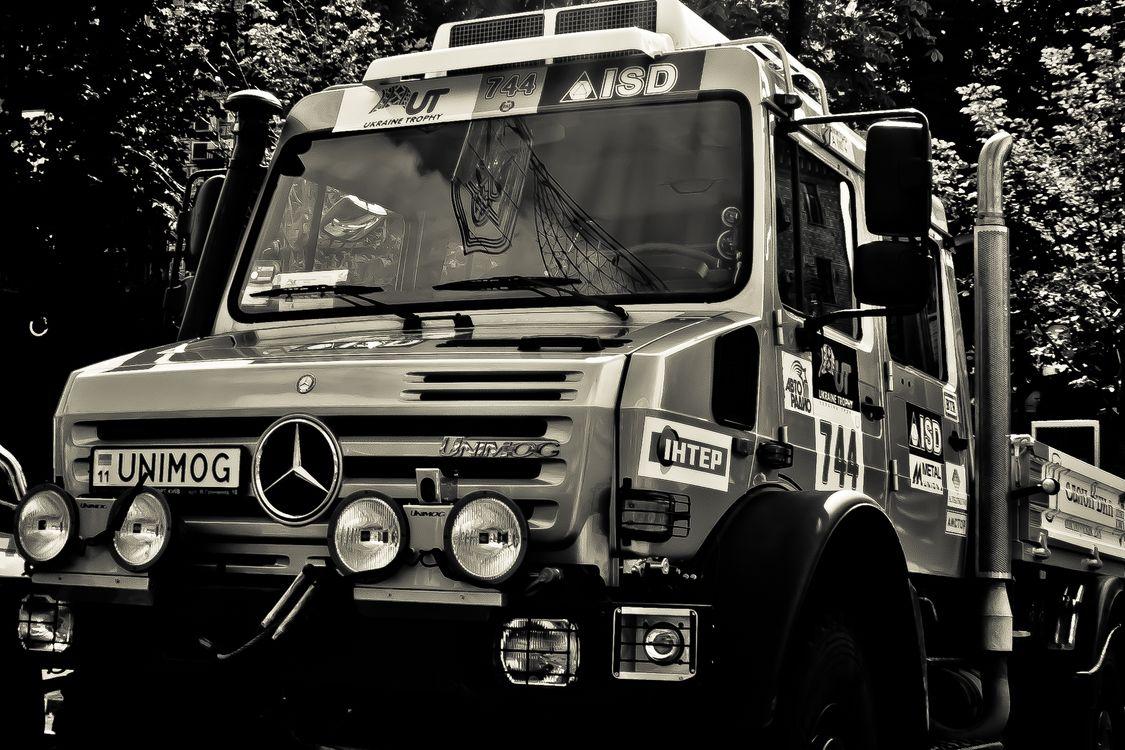 Фото бесплатно грузовик, ралли, фары - на рабочий стол