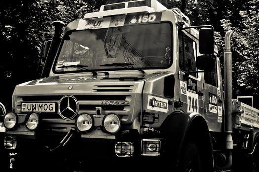 Фото бесплатно грузовик, ралли, фары