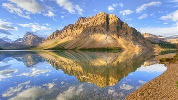 Фото бесплатно озеро, вода, горы, небо, облака, песок, природа