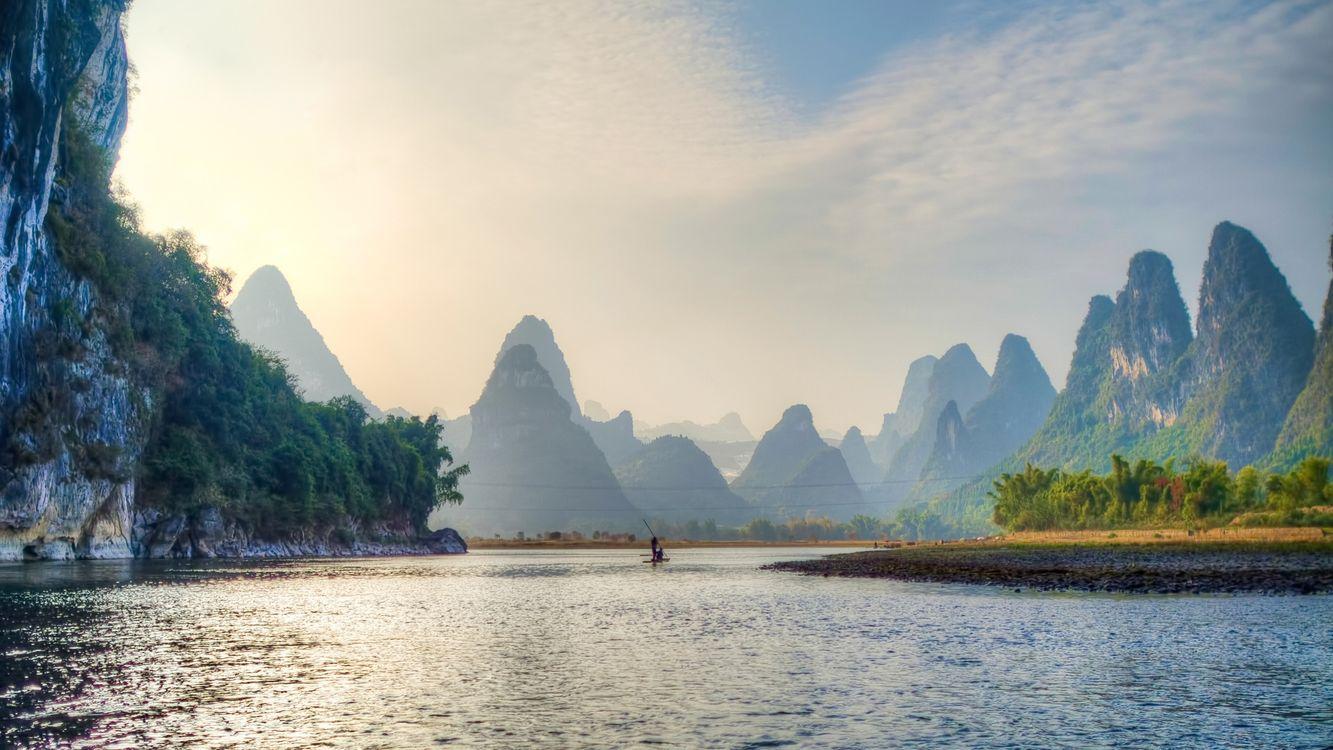 Обои тайланд, река, лодка, люди, горы, растительность, пейзажи на телефон | картинки пейзажи - скачать