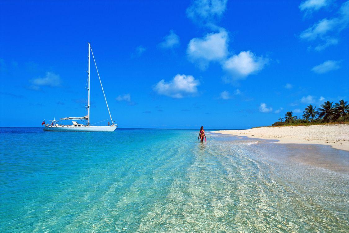 Фото бесплатно тропики, море, пляж, яхта, девушка, пейзажи, пейзажи