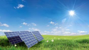 Бесплатные фото поле,трава,солнечные батареи,солнце,цветы,небо,пейзаж
