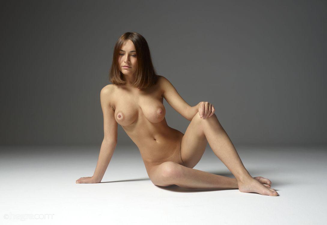 Обои Adriana, модель, красотка, голая, голая девушка, обнаженная девушка, позы, поза, сексуальная девушка, эротика на телефон | картинки эротика