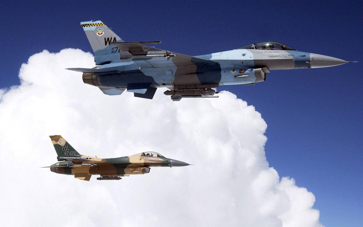 Фото бесплатно истребители, полет, облака, авиация