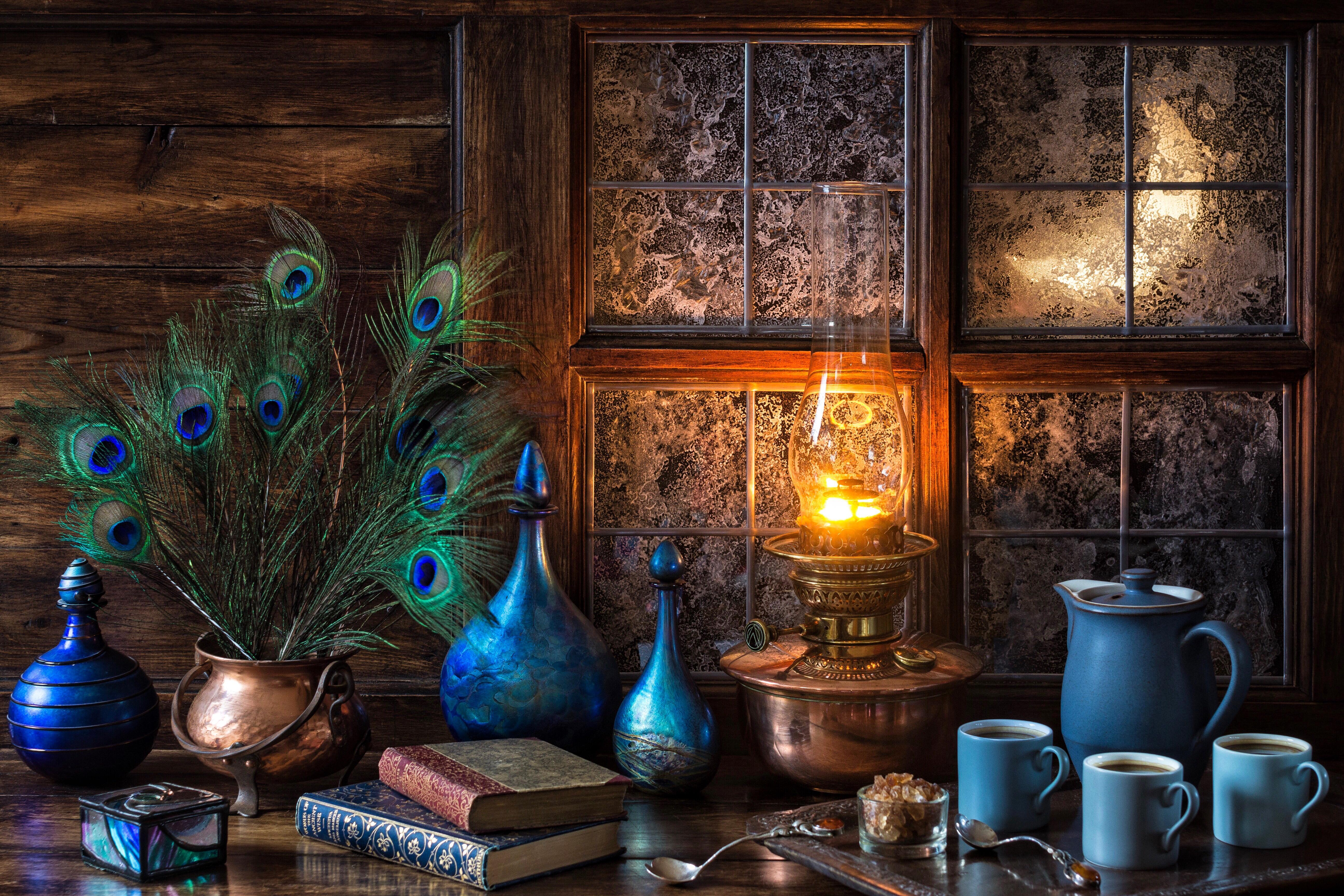 Обои окно, месяц, книги, перья