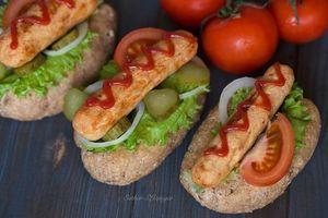 Бесплатные фото огурец,кетчуп,помидор,овощи,сосиски,хот-дог