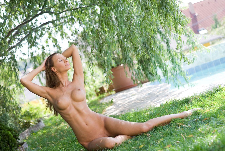 Порно фото голых девушек чернигов девушки прозрачном