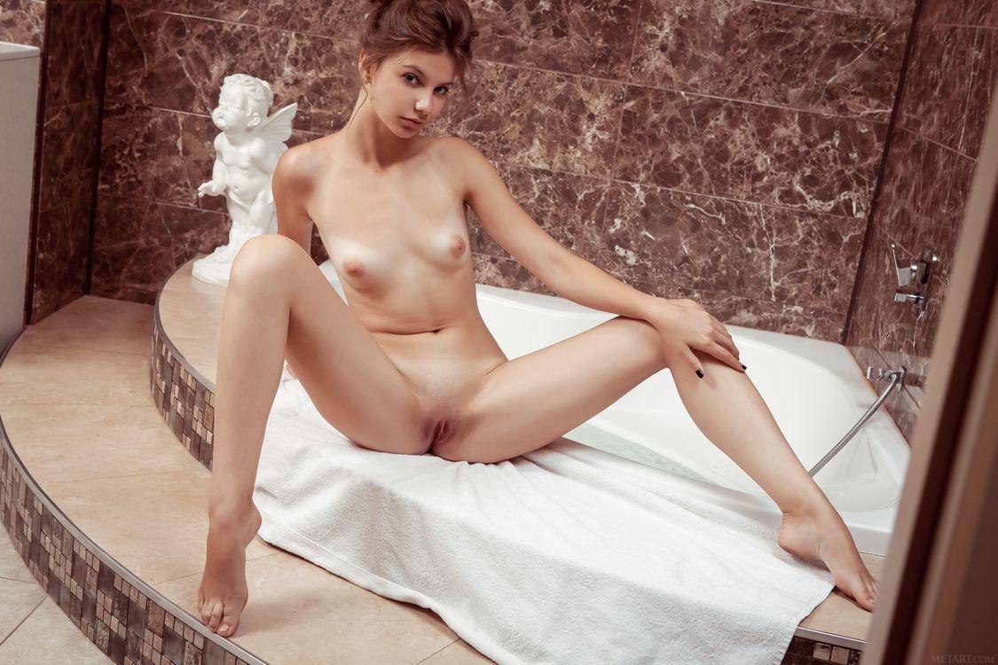 Обои Emma Sweet, красотка, голая, голая девушка, обнаженная девушка, позы, поза, сексуальная девушка, эротика на телефон | картинки эротика