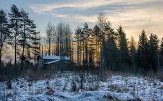 Бесплатные фото закат,зима,лес,деревья,домик,пейзаж