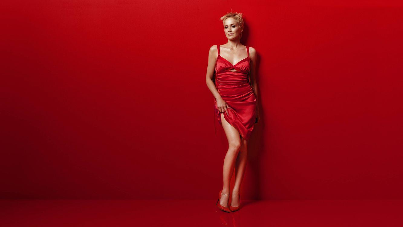 Фото бесплатно блондинка, платье, красное - на рабочий стол