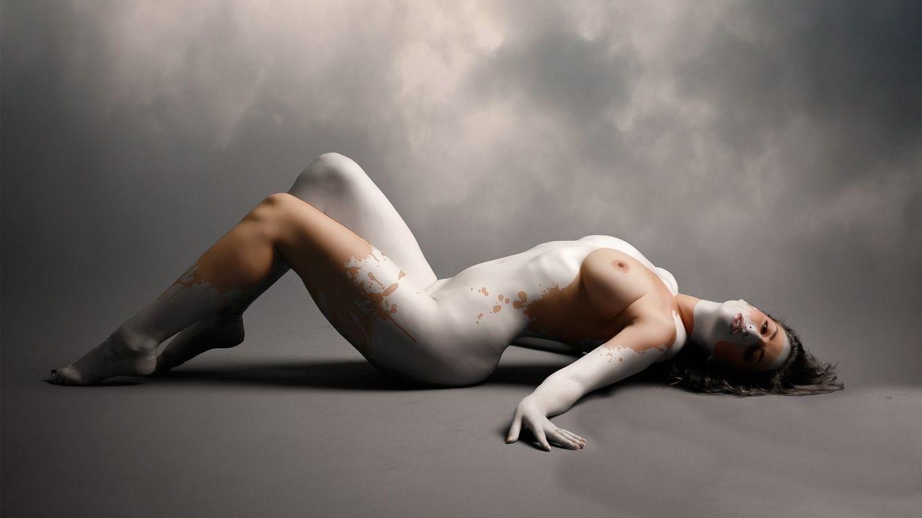 Разрисованная голая фото, Жёсткие супер эротические приколы - Слабонервным не 25 фотография