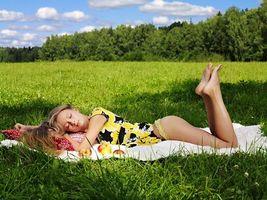 Фото бесплатно девушка, поле, фото