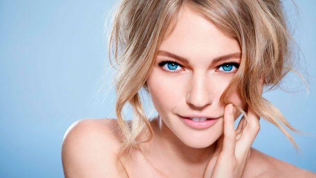Photo free face, blonde, blue-eyed