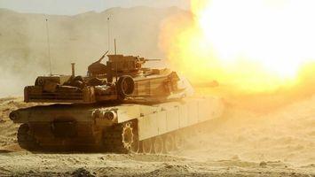 Бесплатные фото танк,выстрел,полигон,песок,огонь,гусеницы,горы