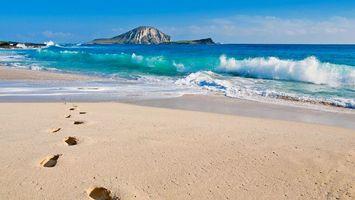 Фото бесплатно берег, песок, следы, море, волны, остров, небо, пейзажи
