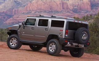 Фото бесплатно хаммер х2, внедорожник, диски, колеса, песок, горы, металлик, запаска, машины