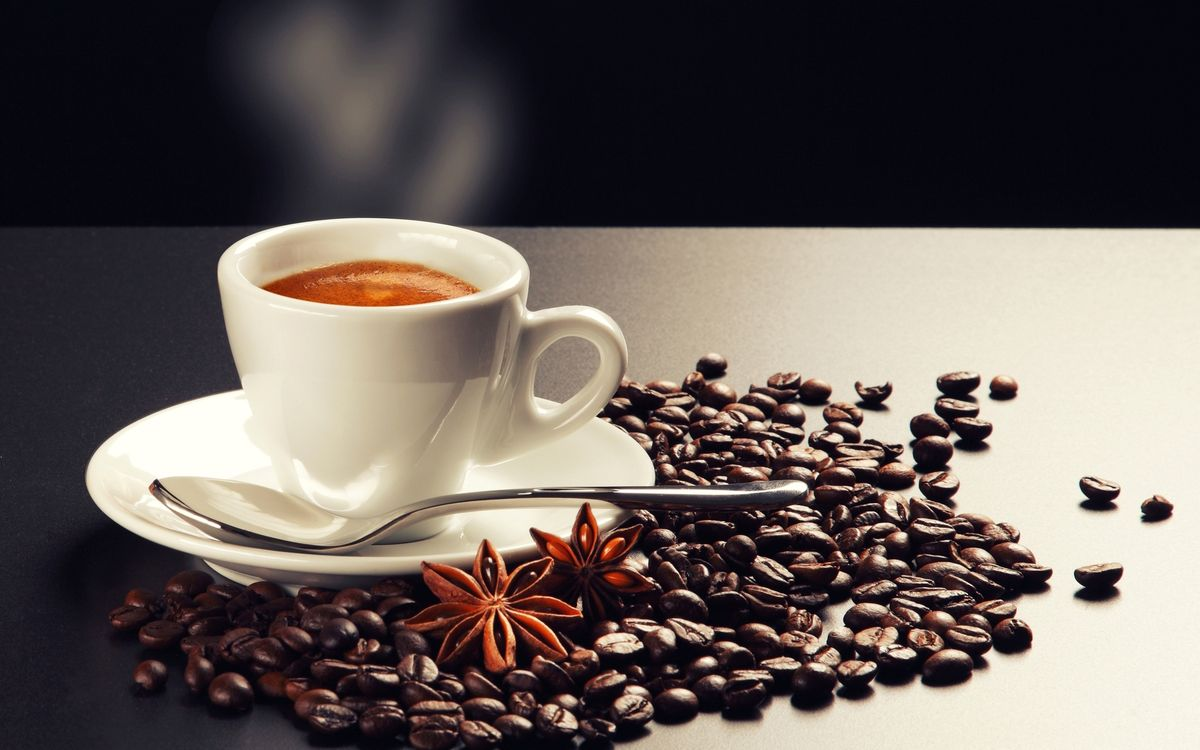 Фото бесплатно кофе, чашка, гвоздика, стол, белый, аромат, пенка, ложка, блюдце, тарелка, кружка, напитки, еда, еда